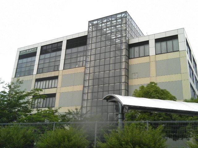 堀川高校外観。